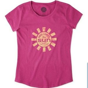 Life is Good Here Comes the Sun Crusher Tee NEW